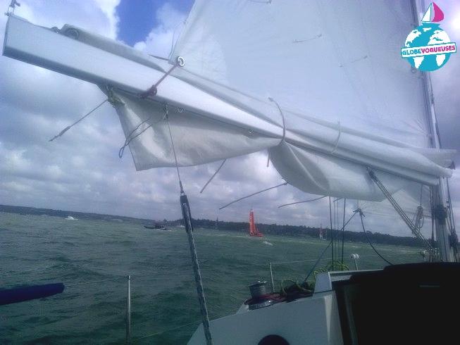 Nav près des bateaux de la Sail GP face à Cowes